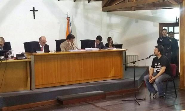 6 de noviembre: Horacio Catena, secretario general del SUTEF, declara ante el Tribunal de Ushuaia. Sería condenado y luego exonerado por el Gobierno.