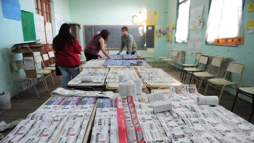 Elecciones: En los cuartos oscuros de Río Grande habrá casi 80 ...