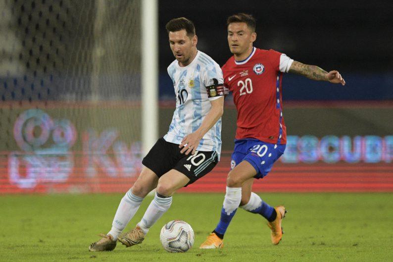Argentina empató con Chile en su debut en el torneo