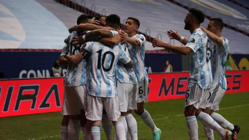 Argentina mostró una mejoría y derrotó a Uruguay 1 a 0
