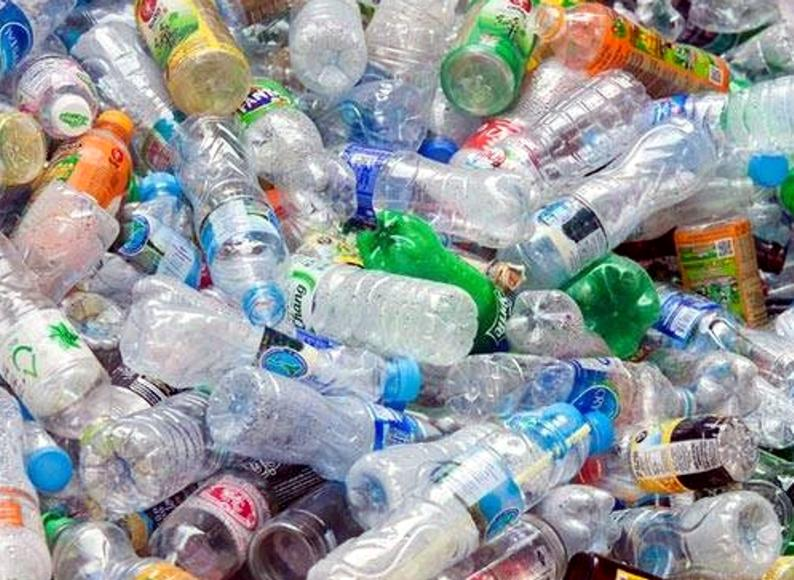 Alumnos piden ayuda para juntar plástico y participar del programa «Reciclá y Viajá»