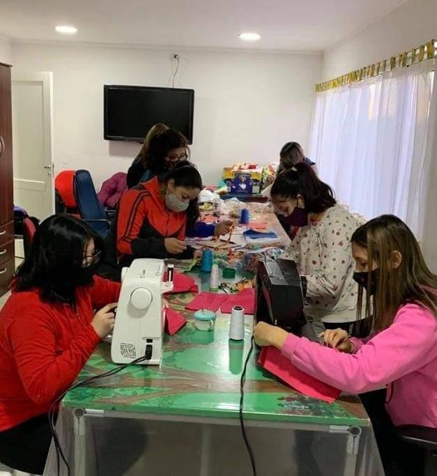 Un taller de costura solidario que necesita apoyo