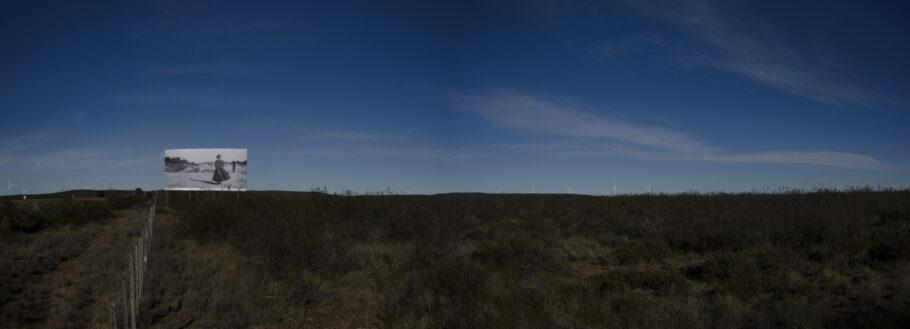 Entre Trelew y Madryn / La gigantesca obra de arte que sorprende junto a la  Ruta 3, en Chubut - (( La 97 Radio Fueguina ))