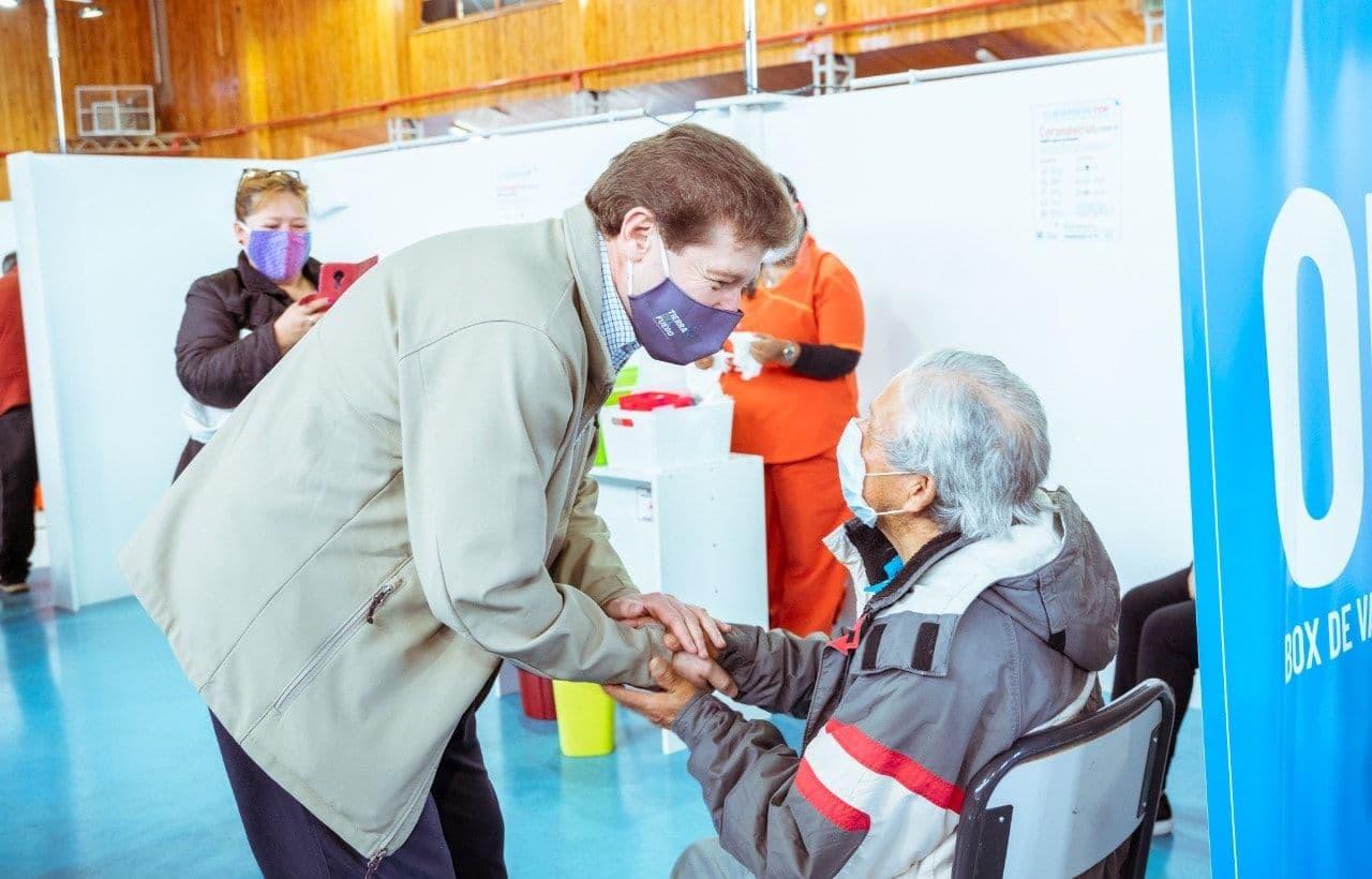 """""""Gracias al compromiso de la sociedad fueguina somos la primera provincia en alcanzar la inmunidad de rebaño»"""